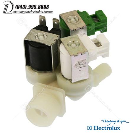 cap-nuoc-kep-ba-electrolux