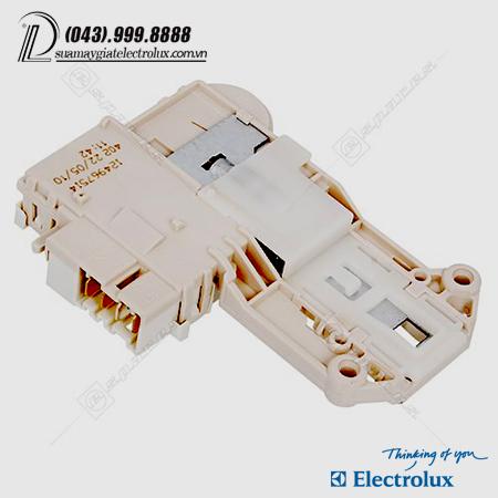 cong-tac-bon-chan-electrolux