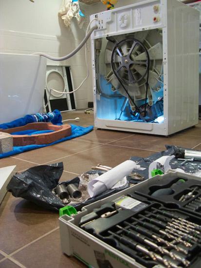 fixing-a-washing-machine