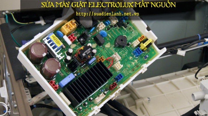 sua-may-giat-electrolux-mat-nguon